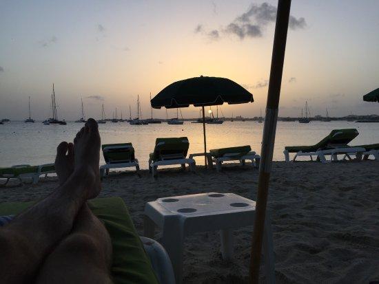Atrium Beach Resort and Spa: Beach sunset