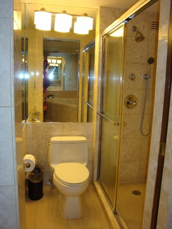 Newport Beachside Hotel and Resort Photo
