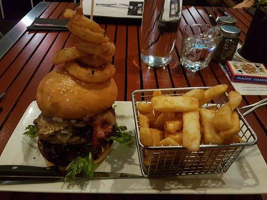 Mash: This burger was sooooooo good!!!