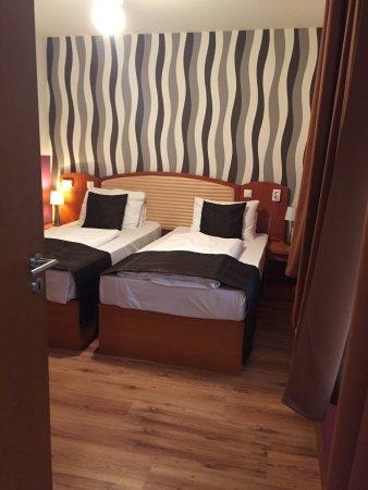 Six Inn Hotel Budapest: photo0.jpg
