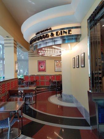 Disney's Hollywood Hotel: 20170726_093714_large.jpg
