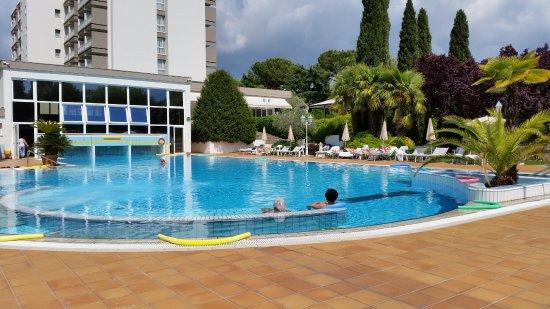 Hotel des bains terme montegrotto terme provincia di padova prezzi 2017 e recensioni - Hotel mioni royal san piscine ...
