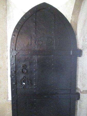 Jewel Tower: Iron door 1621 - note King James crest round keyhole