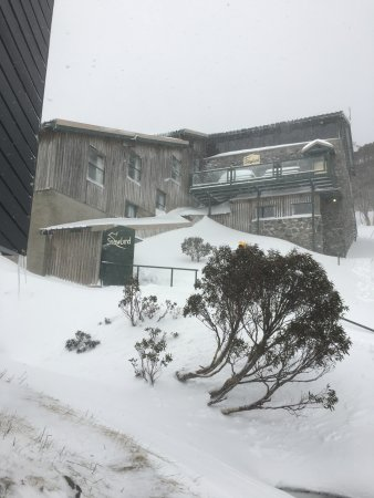 Charlottes Pass, Australia: The lodge from outside