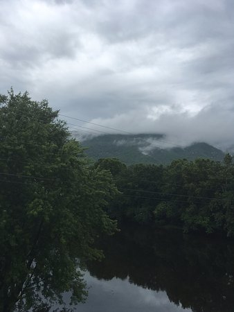 Buchanan, Вирджиния: A view from the bridge