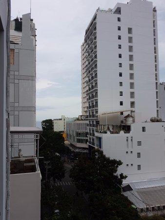 Hoa Lam: фото с балкона, море совсем рядом!