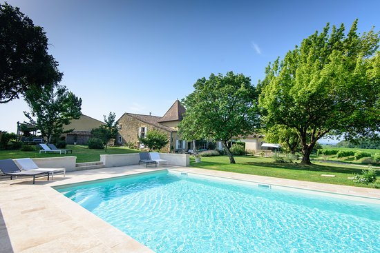Les Esseintes, França: 10m x 5m brand new pool for 2017