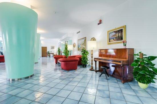 Best Western Hotel La Solara Sorrento: Lounge