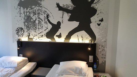 Comfort Hotel Boersparken: image-0-02-05-e35d30bd902dcd59f8e6e8dc6d5f5dd6d92b3077b26c1d7f1d7032fcdb936a2a-V_large.jpg