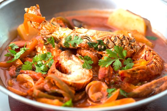 Cataplana. Traditional Portuguese seafood stew - Picture ...
