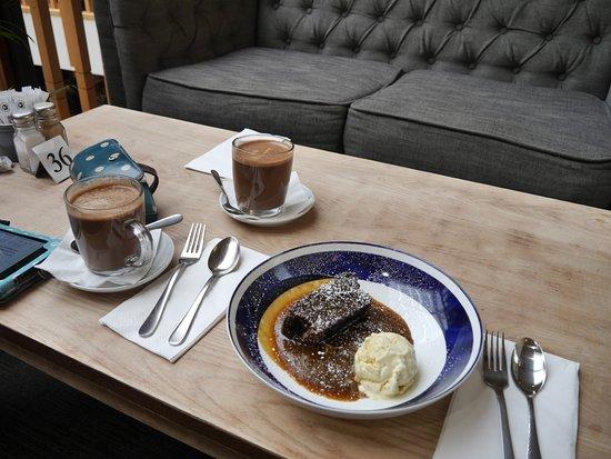 Cafe Circa at the Atrium : Sticky Toffe Pudding