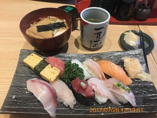 Morimorizushi Kanazawa-ekimaeten: photo0.jpg