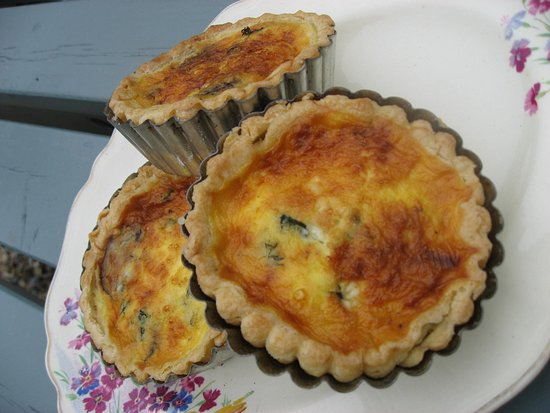 Brighton and Hove, UK: Freshly baked quiche