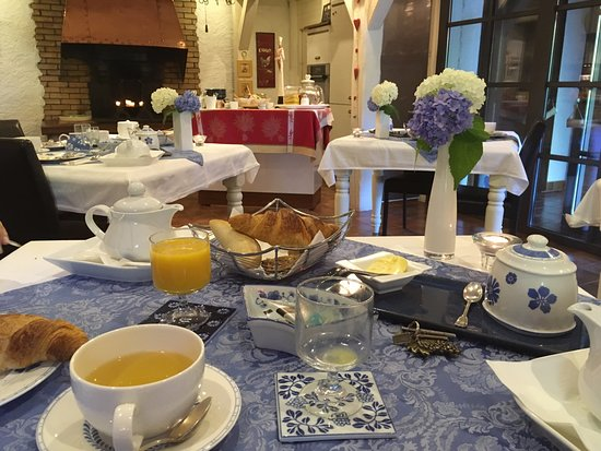 La Haute Grange: French style breakfast (with a Scottish touch)