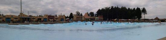 Calypso Water Park: Calypso Palace Wave Pool