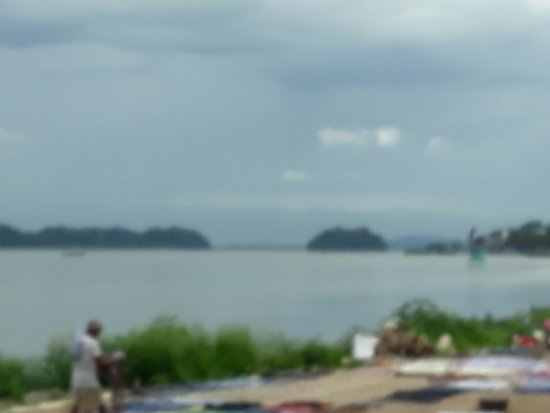 Brahmaputra River: River view just before noon
