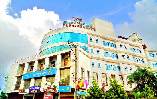 Hotel Green Park Residency