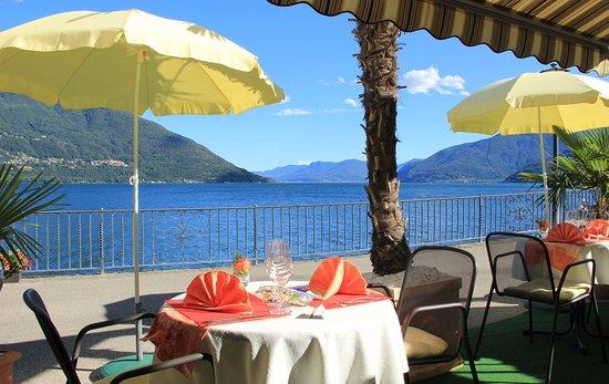 Romantisches Restaurant direkt am See mit mediterranem Ambiente ...