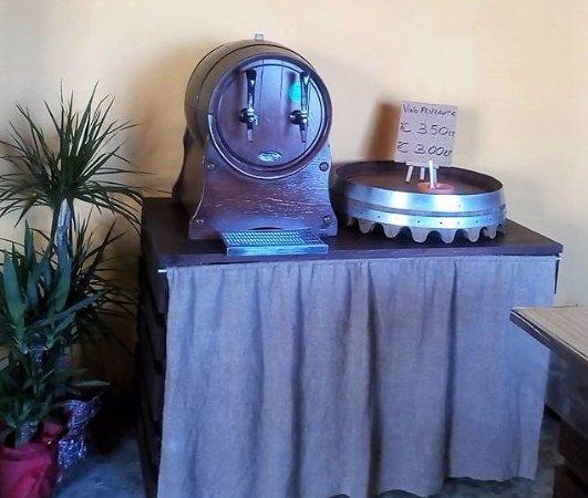 La Cantinetta di Nonno Massi: Vino frizzante (ottimo)