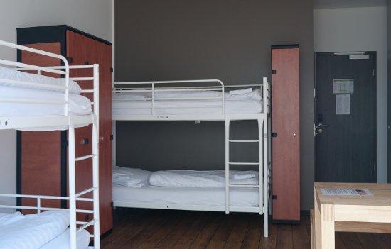 Cologne Downtown Hostel : 4- Bett Zimmer