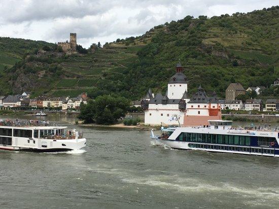 Rhine Hotel Zur Loreley : photo1.jpg