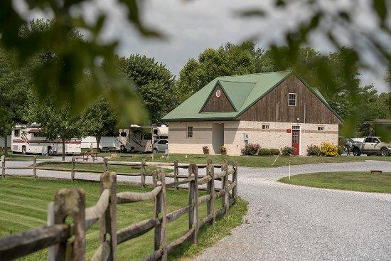 Gordonville, Pensilvania: 2 Bathhouses