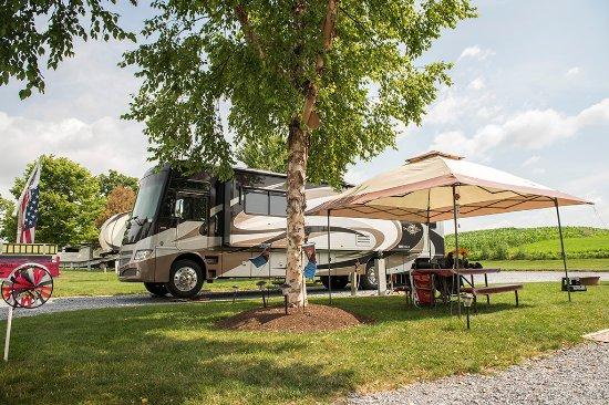 Gordonville, PA: Pull-through Rig Sites
