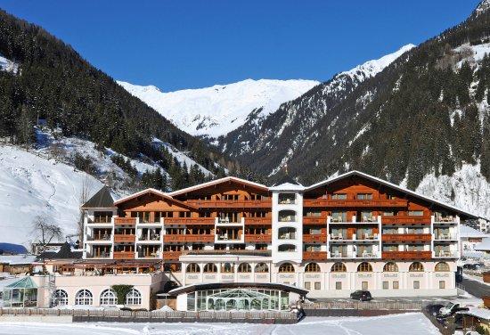 Wellness & Relax Hotel Milderer Hof: Aussenansicht Winter