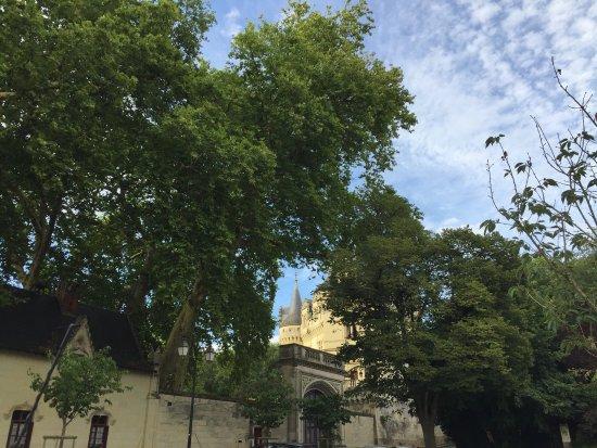 Rou-Marson, France: Chateau privé?