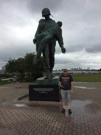 Liberty State Park: Memorial at park