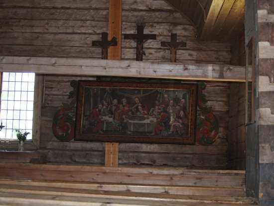 Sodankylä, Suomi: The artwork at the altar was made in 1739 by Petter Bergsström.