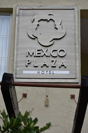 Hotel Suites Mexico Plaza: Frente del Hotel