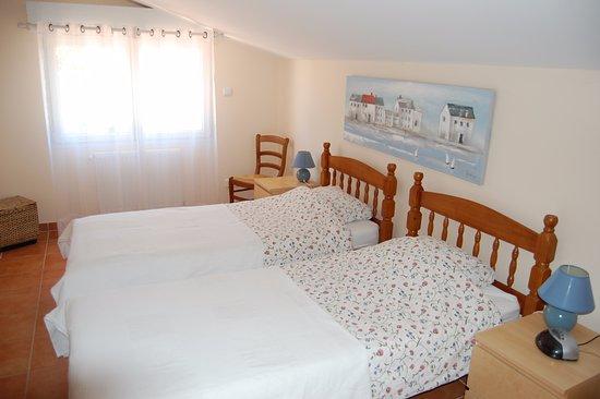 douce france b b saint nicolas de la grave voir les tarifs 12 avis et 19 photos. Black Bedroom Furniture Sets. Home Design Ideas