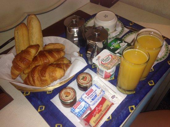 Hotel Daumesnil-Vincennes : colazione in camera