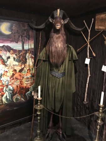 The Museum of Witchcraft and Magic: photo0.jpg