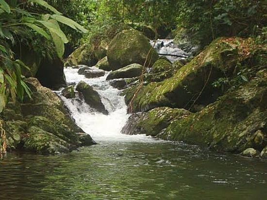 Mangaratiba, RJ: Cachoeira Poço Encantado