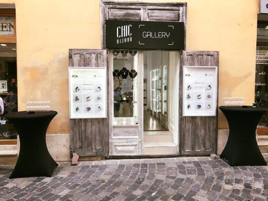 Chic Bijoux Gallery
