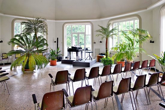 Bad Salzschlirf, ألمانيا: Musikpavillon für die (Indoor-) Kurkonzerte