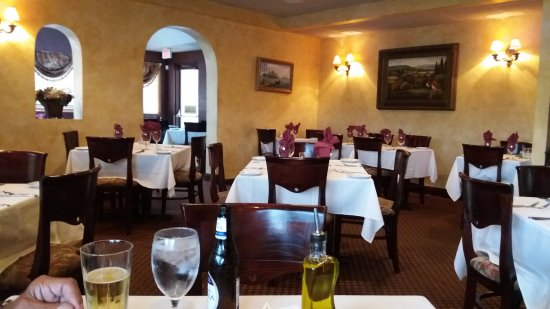 Captivating LoMonacou0027s Ristorante: Dining Room