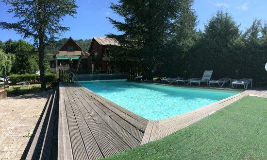 Le vieux tilleul hotel seyne les alpes france voir for Piscine les 2 alpes