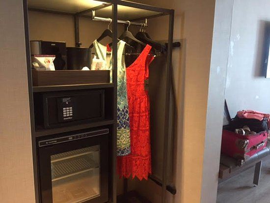 AC Hotel Raleigh North Hills: Open Closet Design, No Luggage Rack For My  Suitcase