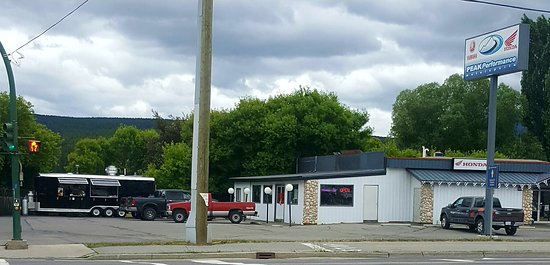 Cranbrook, Canadá: Our New Location at Peaks Performance. 2001 Kootenay St. N