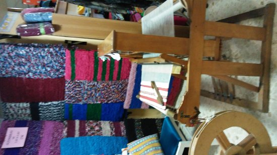 Artesania La Plaza: Visita los telares