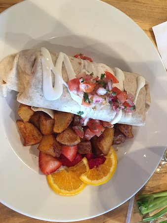 Sperryville, VA: Lunch menu, my Bloody Mary and my breakfast burrito