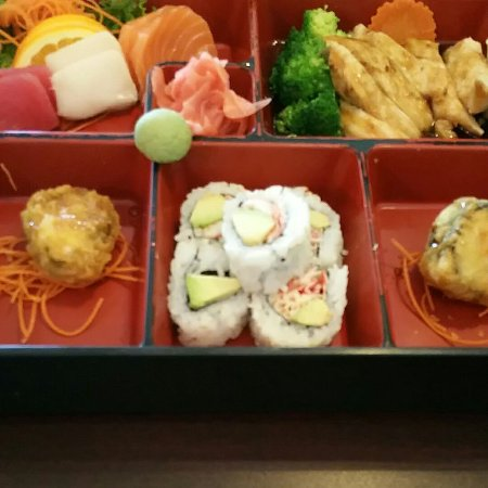 Banzai Sushi & Thai Restaurant: Lunch Special L-I