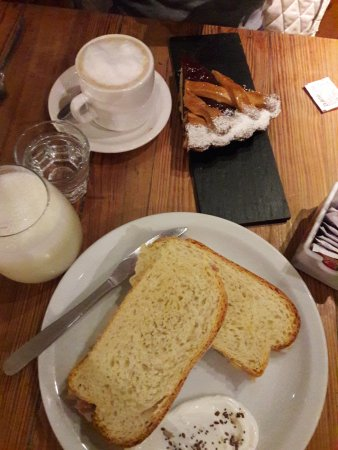 Cundeamor: Café con Leche y Tarta de Membrilo _ Pasta Frola