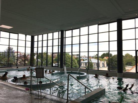 Piscine Photo De Hotel Barriere L Hotel Du Lac Enghien Les Bains