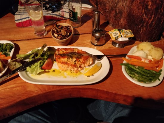 The Snug: Grilled Salmon