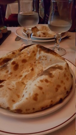 Yuvraj: Très bonne accueil Repas délicieux léger Cocktail MOJITO SANS alcool Hmmmm Bref très bonne soiré