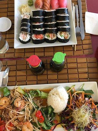 Trois-Pistoles, Canada: Sushi spécial du chef et assiette de crevettes Bangkok